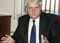 Бойко Рашков влита с резачката на Джейсън в службите и МВР